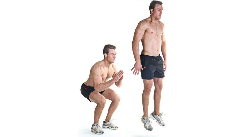 Выполнение плиометрического упражнения - выпрыгивания из приседа