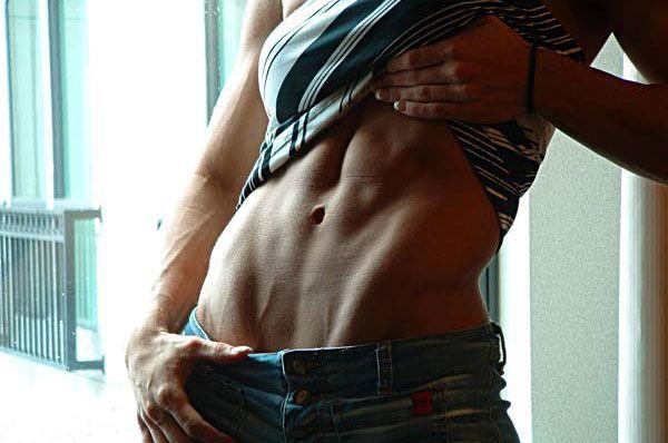 Мышцы живота у женщин