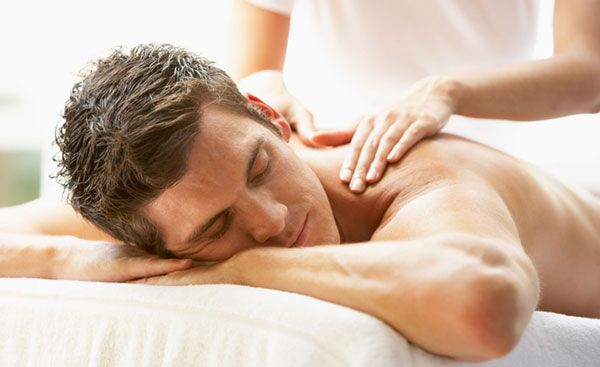 Массаж мышц шеи и трапеций
