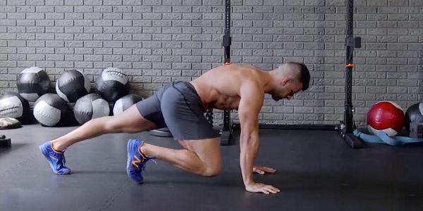 Выполнение упражнения скалолаз в классической технике