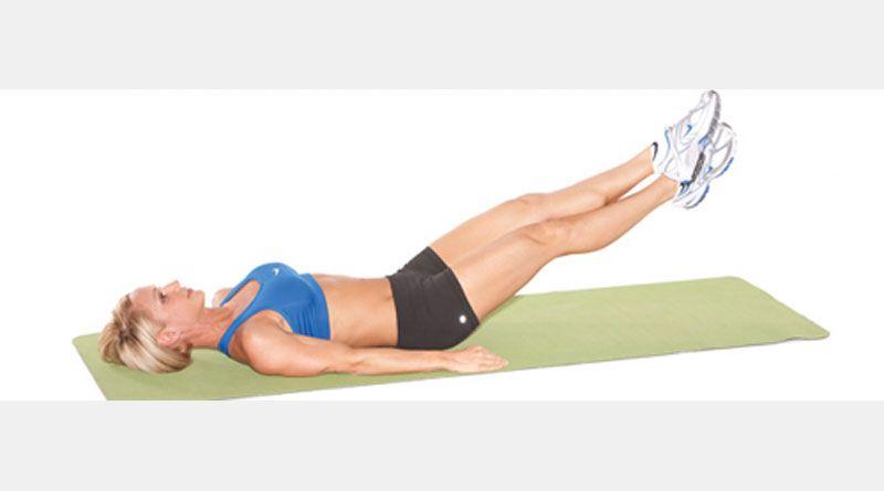 Ножницы — простое упражнение для мышц пресса