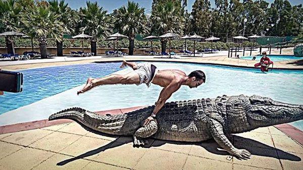 Планш на крокодиле