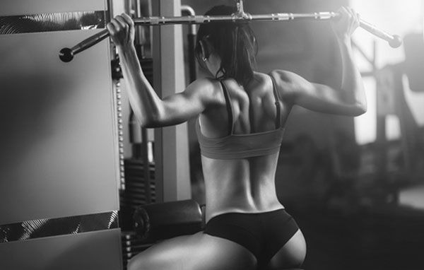 Тяга блока для мышц спины