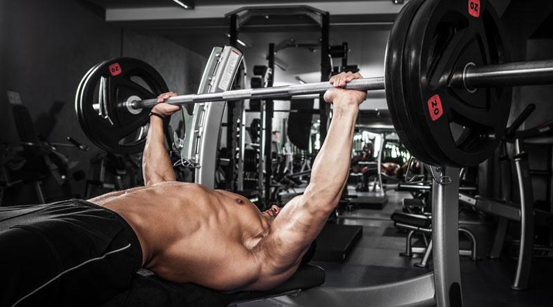 Особенности программ тренировок на силу – упражнения, питание, риски