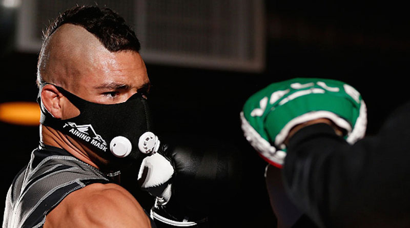 Тренировочные маски — ограничители дыхания и респираторные для бега в городе
