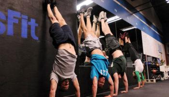 Кроссфит-тренировки для начинающих — программа и принципы тренинга