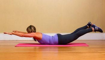 Лодочка или «Супермен» — как делать упражнение для спины и вариации для пресса